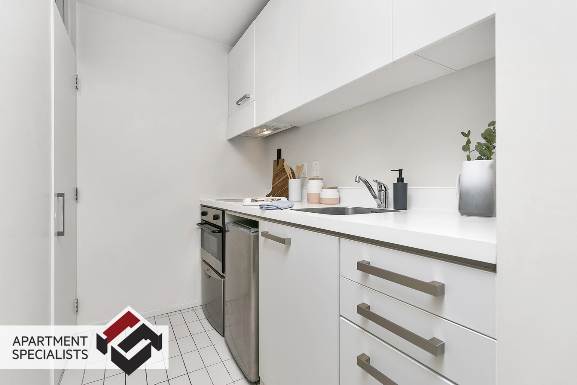 2 | 10 Waterloo Quadrant, City Centre | Apartment Specialists