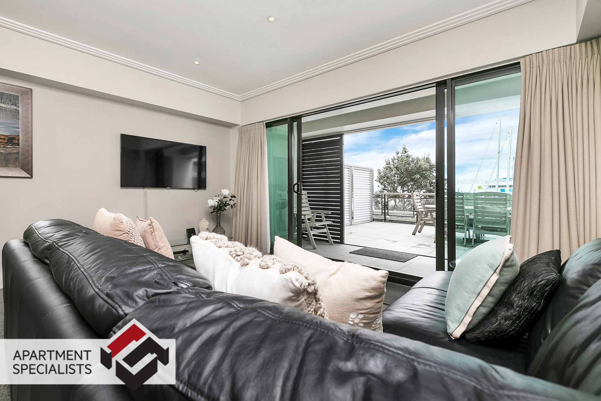10 | 99 Customs Street West, City Centre | Apartment Specialists
