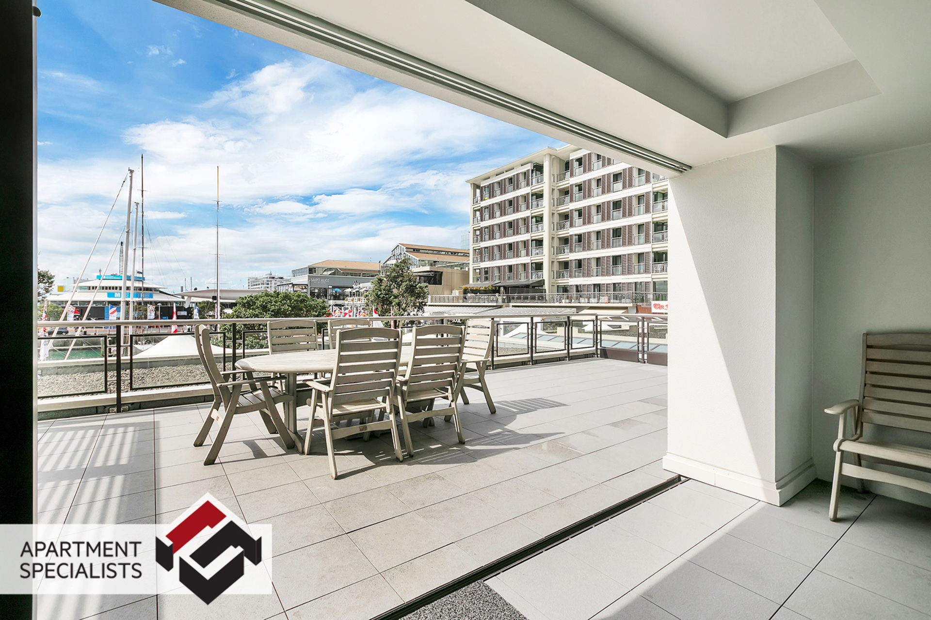 11 | 99 Customs Street West, City Centre | Apartment Specialists