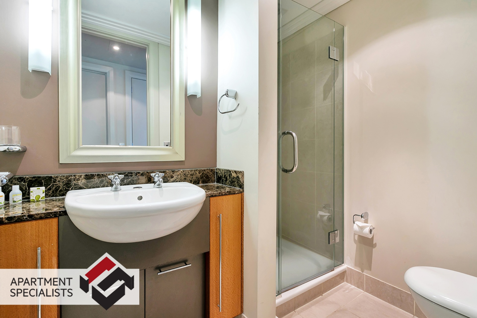 14 | 99 Customs Street West, City Centre | Apartment Specialists
