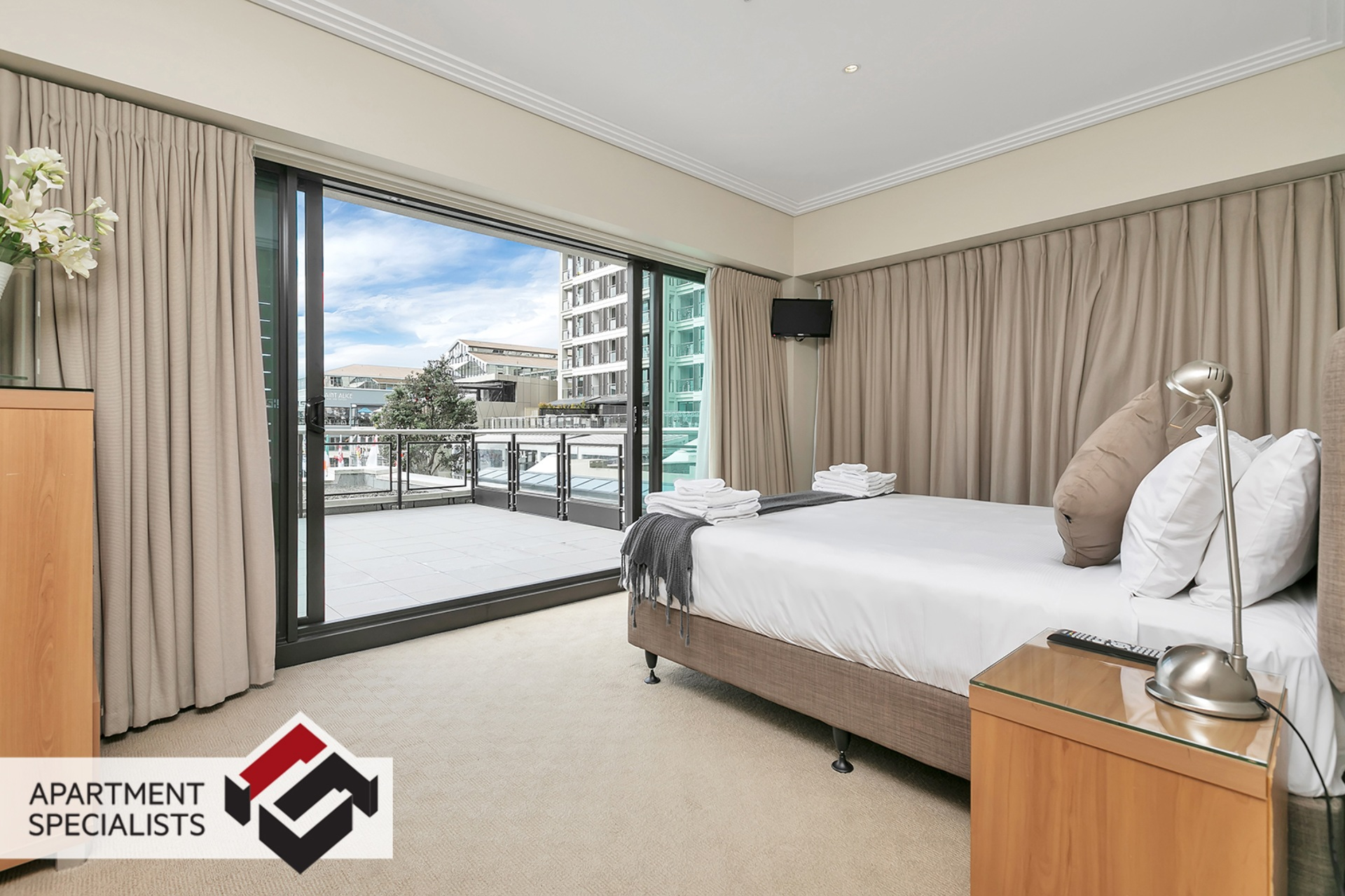 6 | 99 Customs Street West, City Centre | Apartment Specialists
