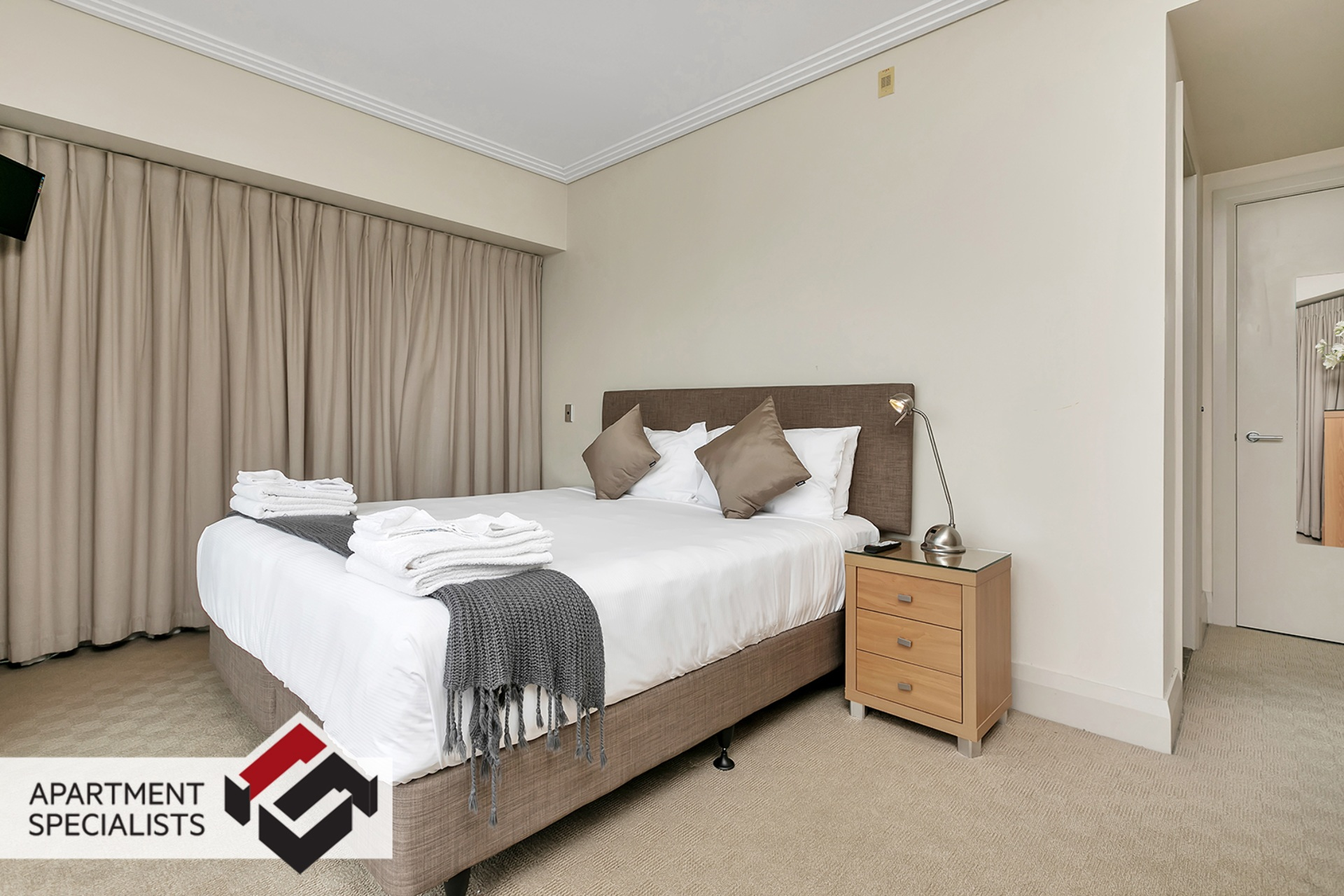 7 | 99 Customs Street West, City Centre | Apartment Specialists