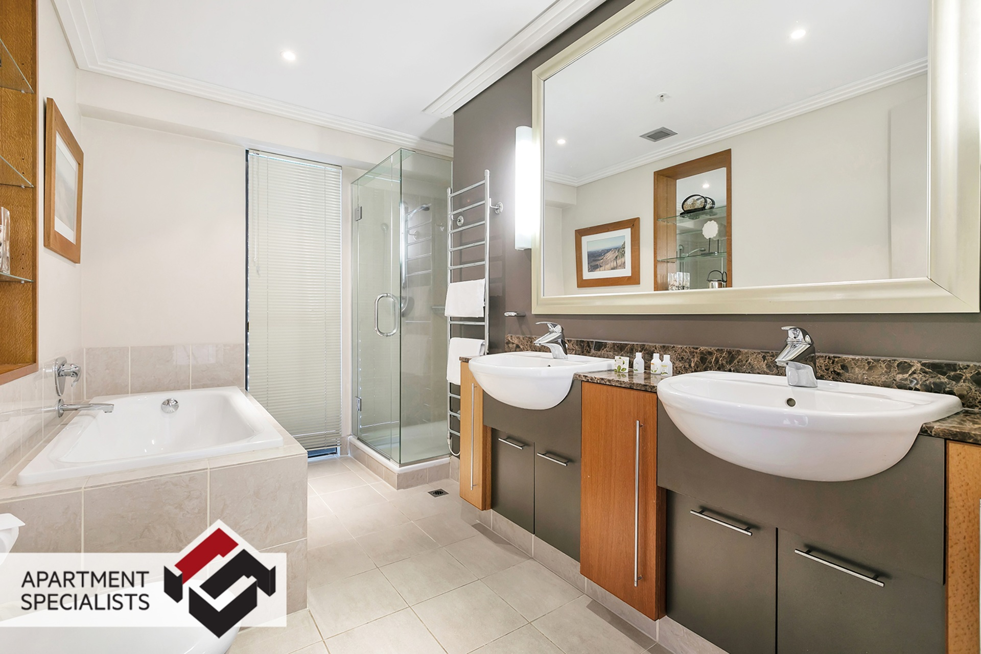 8 | 99 Customs Street West, City Centre | Apartment Specialists