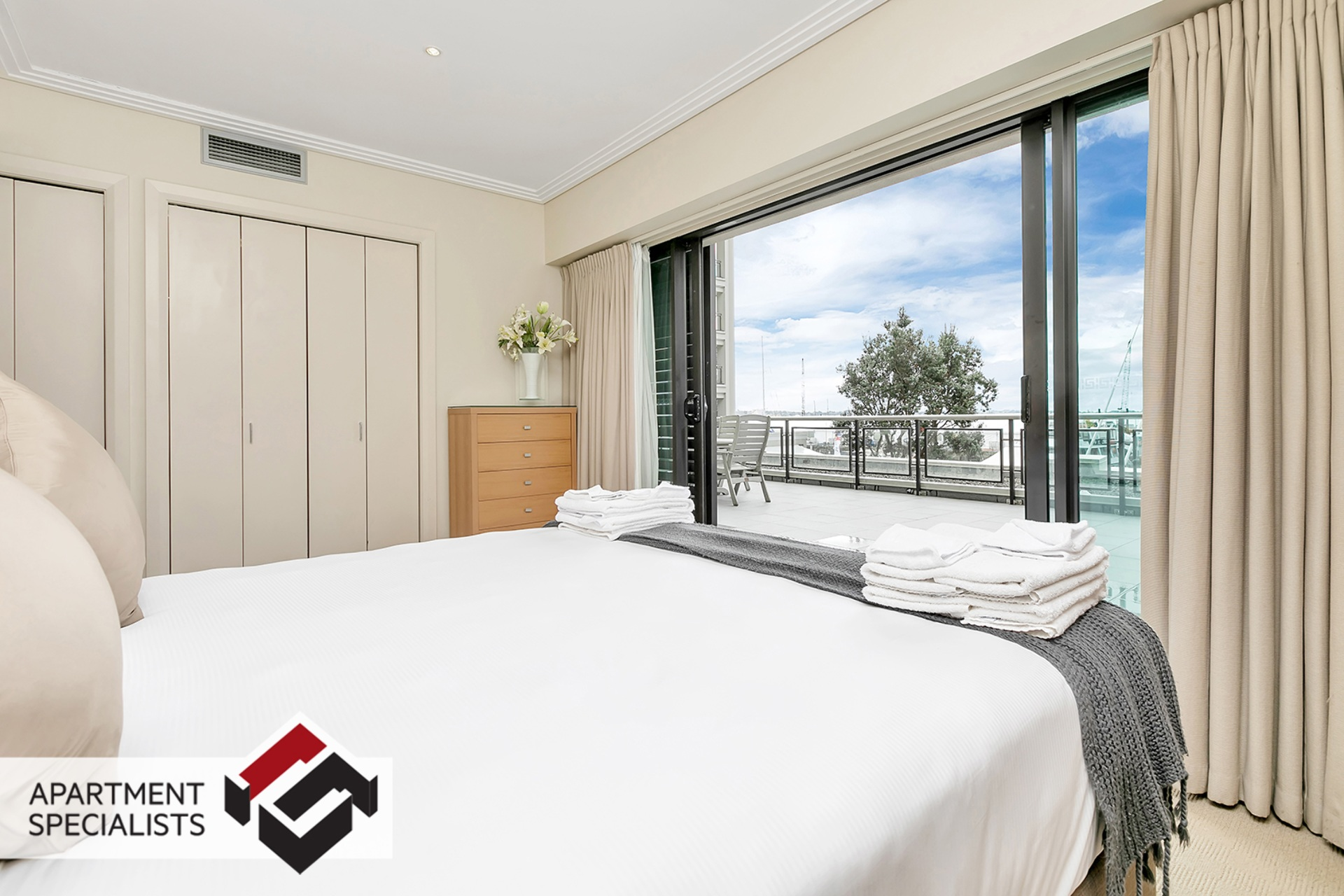9 | 99 Customs Street West, City Centre | Apartment Specialists