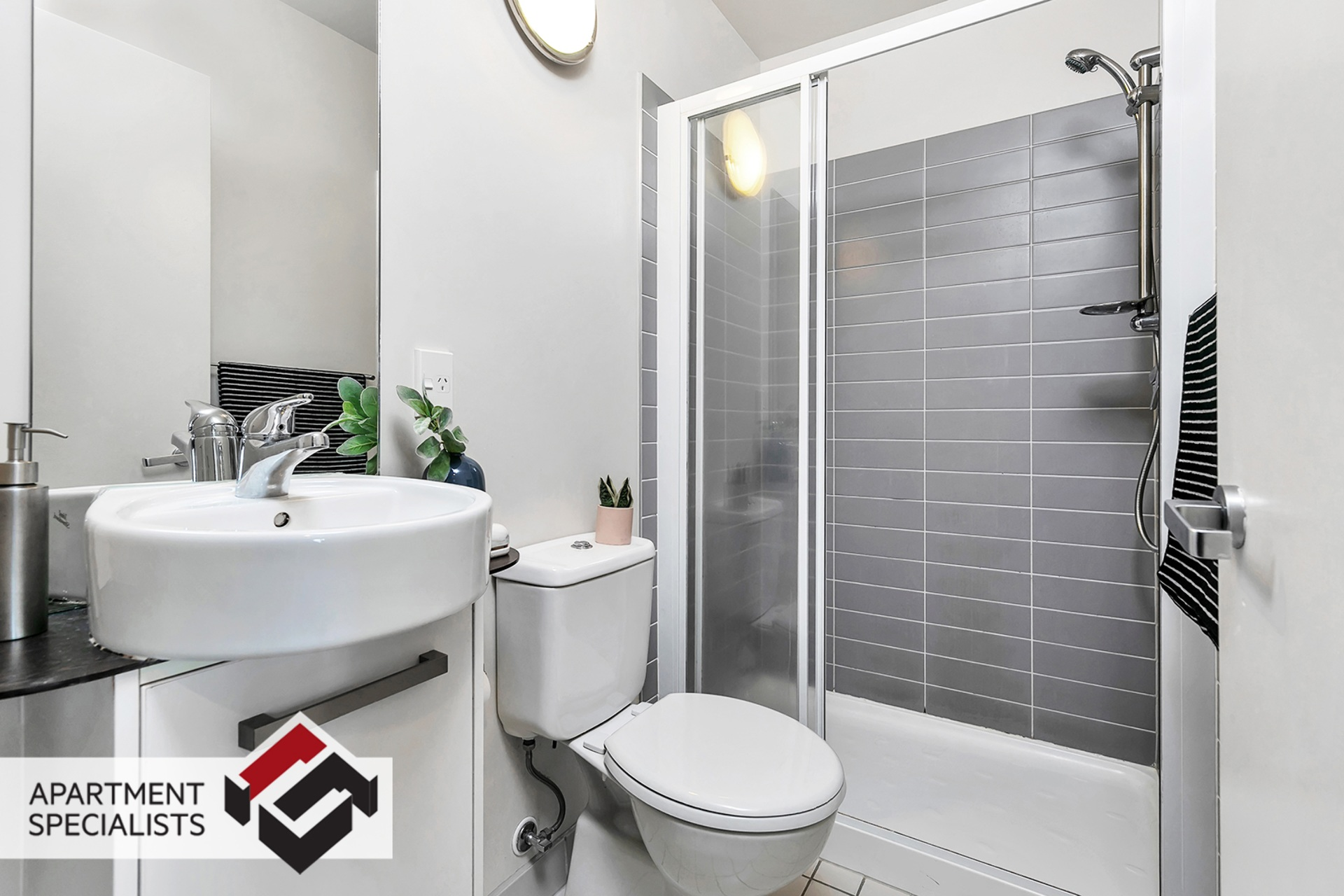 8 | 10 Waterloo Quadrant, City Centre | Apartment Specialists