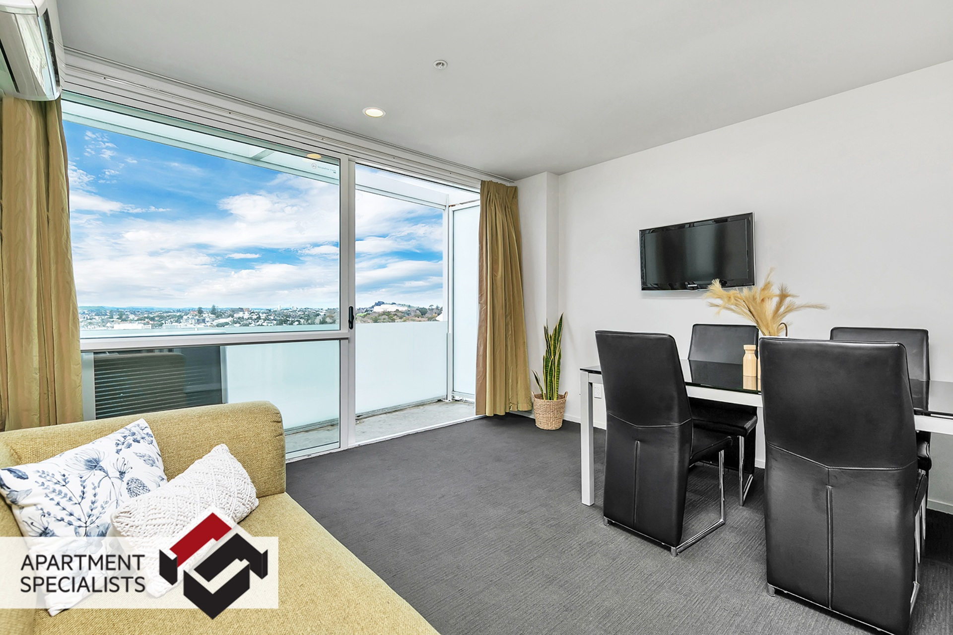 1 | 10 Waterloo Quadrant, City Centre | Apartment Specialists