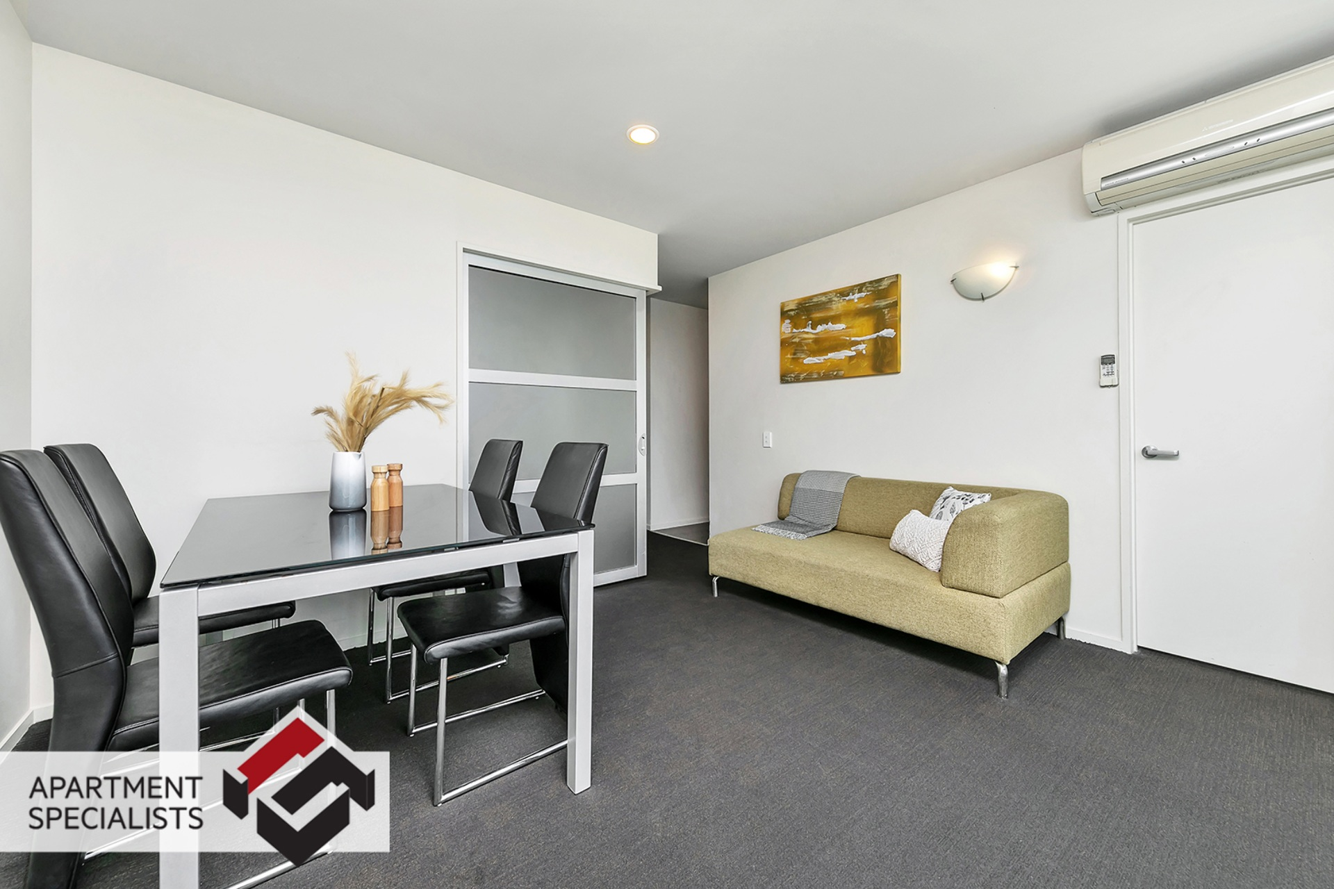 4 | 10 Waterloo Quadrant, City Centre | Apartment Specialists