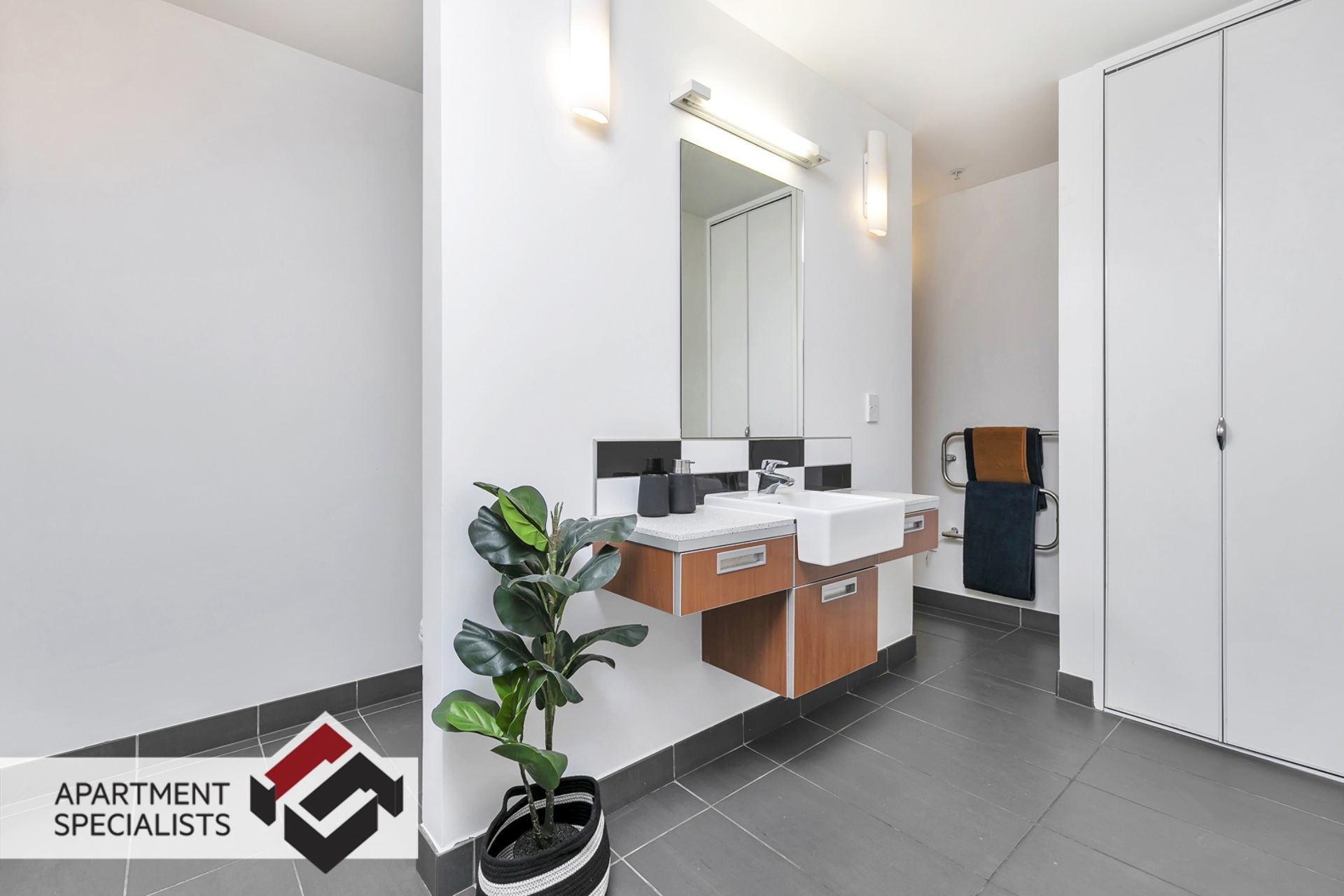 8 | 6 Victoria Street, City Centre | Apartment Specialists