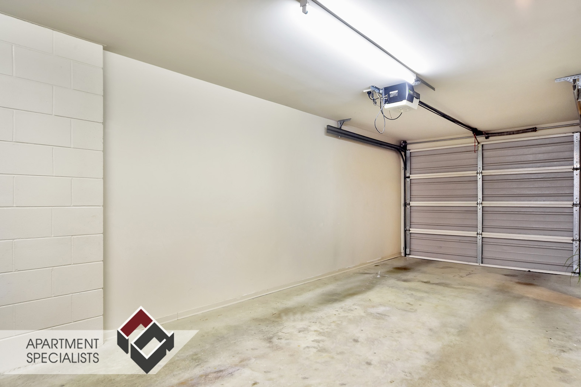 10 | 21 Hunters Park Drive, Three Kings | Apartment Specialists