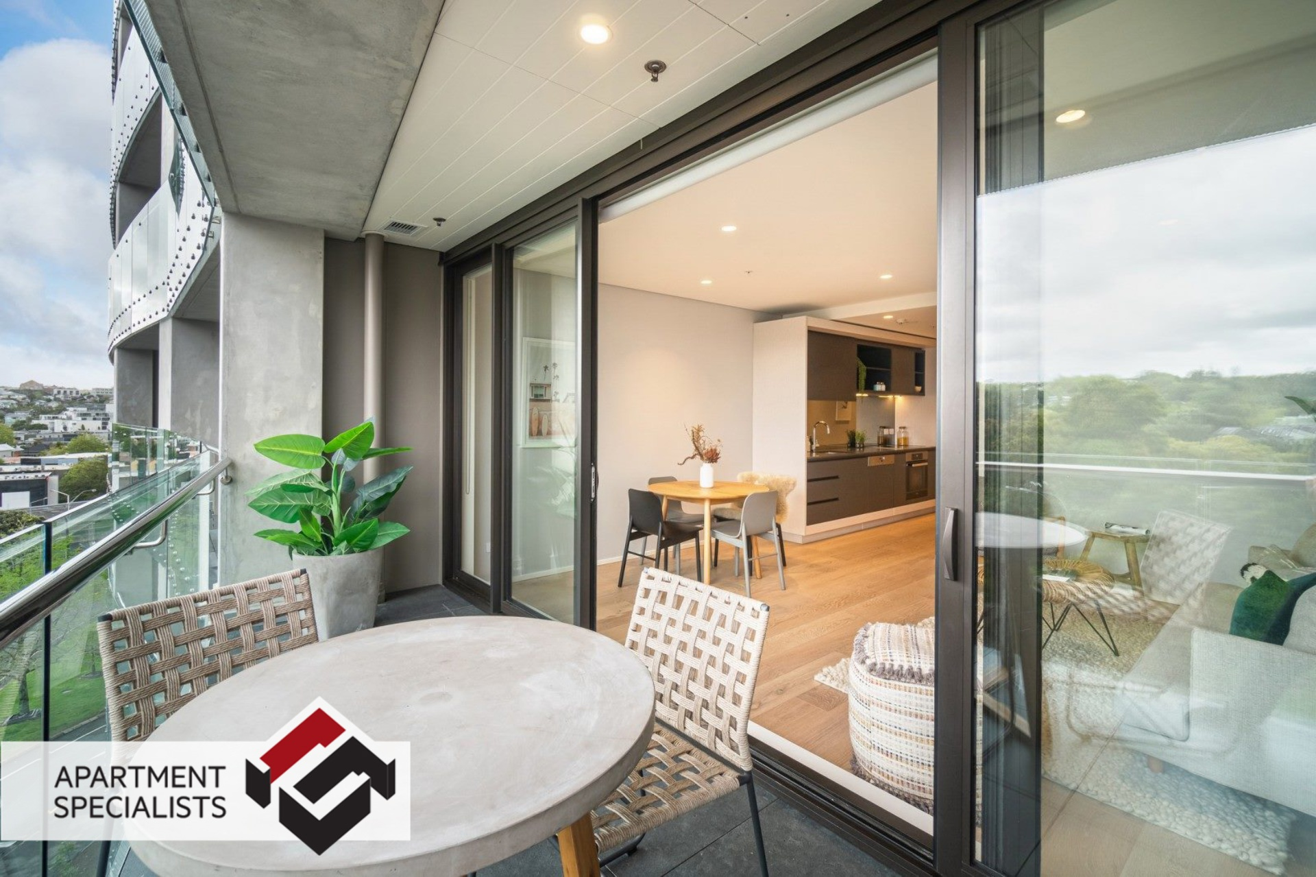 1 | 70 Sales Street, City Centre | Apartment Specialists