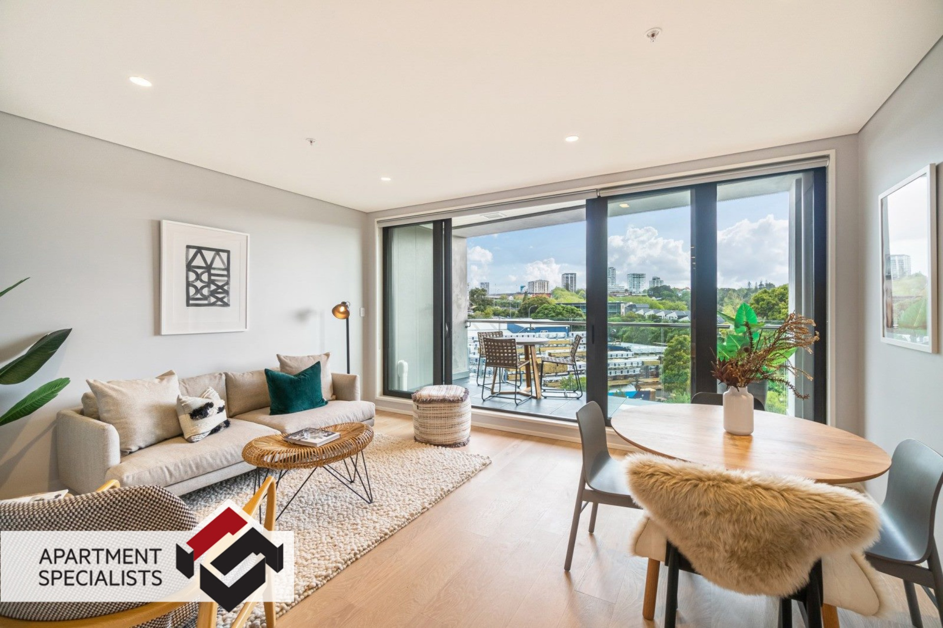 2 | 70 Sales Street, City Centre | Apartment Specialists